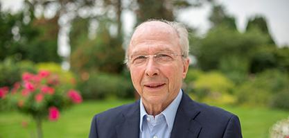 Herr Grosspeter ist Geschäftsführer der Grosspeter Beteiligungs GmbH.