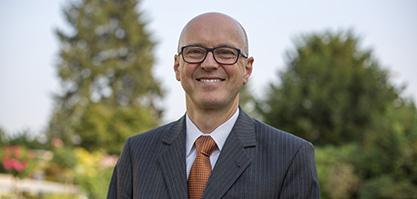 Herr Mehren ist der kaufmännische Geschäftsführer.