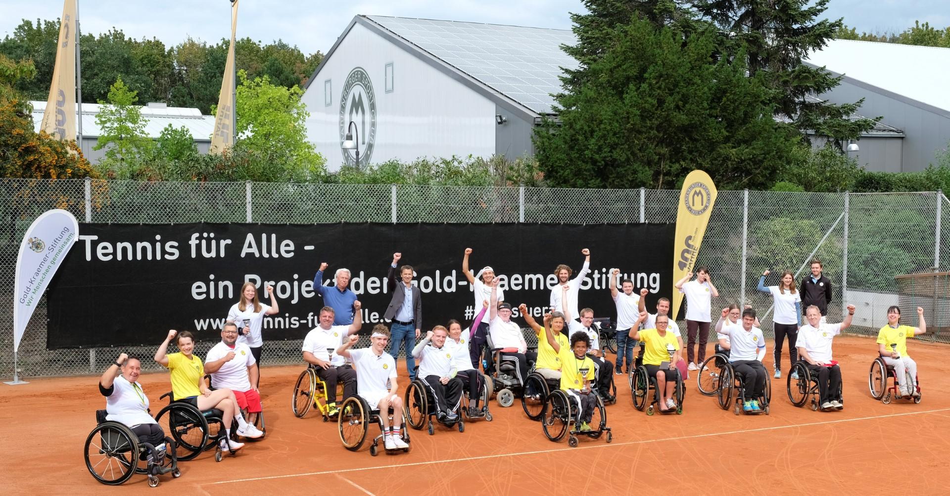 Gruppenfoto vom Tennisturnier